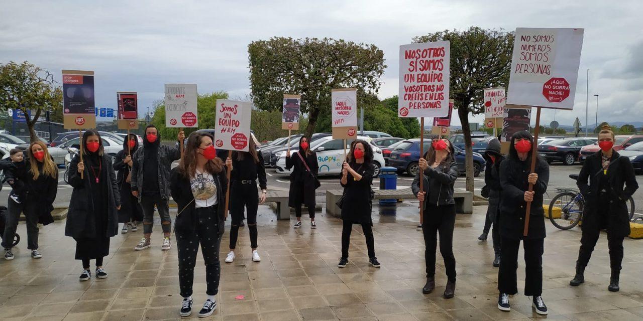 UGT amplía la huelga en el H&M de Valle Real a todos los sábados por tiempo indefinido