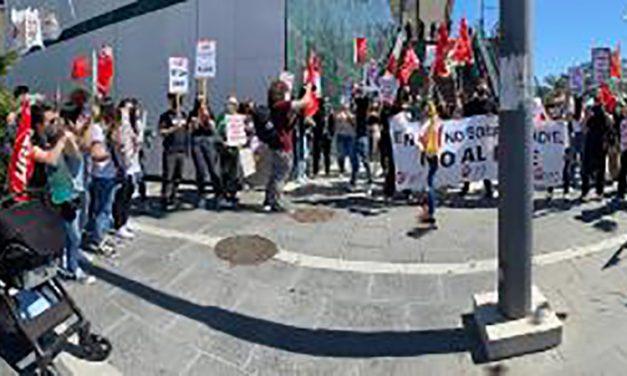 Los trabajadores de H&M continúan movilizándose contra el cierre de las tiendas en Granada