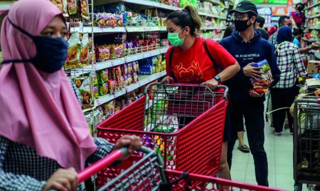 UGT rechaza la apertura comercial del 22 de noviembre en una situación sanitaria tan crítica como la suspendida el 9 de abril