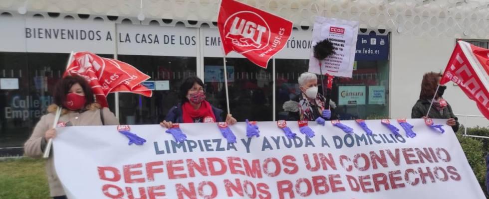 UGT y CCOO amenazan con la huelga si la patronal de la limpieza y la ayuda a domicilio de Albacete no retira su propuesta de congelar los salarios